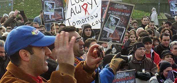 Aramäische christen demonstrieren in Köln