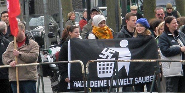 Zehntausende Kölner Bürger wurden jahrelang von Politikern, Journalisten, Lehrern, Kirchen und Gewerkschaften belogen und aufgehetzt, Warnungen islamkundiger Bürger nieder zu brüllen