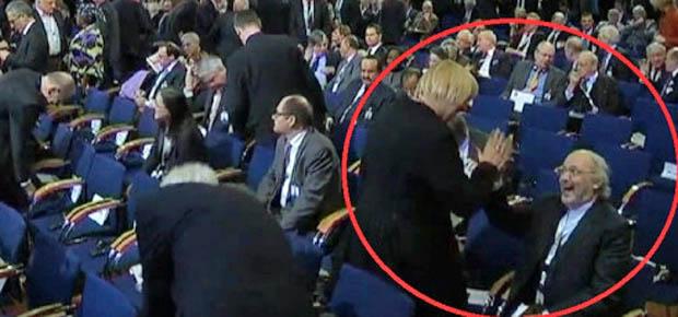 Ein verräterisches Foto von der Münchener Sicherheitskonferenz erschüttert iranische Regimegegner