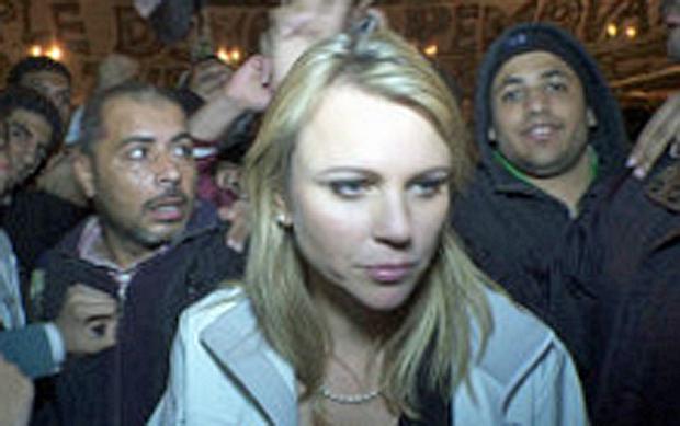 Prominentes Opfer: Kurz nach dem Foto fiel die Meute vom Tahrir-Platz über die Journalistin Lara Logan her