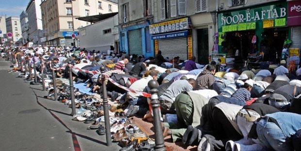 Paris, zur Zeit des Mittagsgebetes